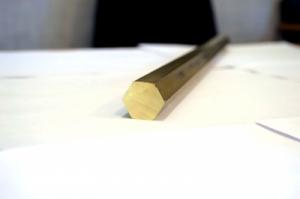 Латунный шестигранник 27 мм