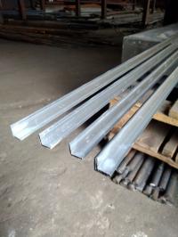 Алюминиевый уголок 10х10