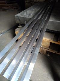 Уголок алюминиевый 25х25